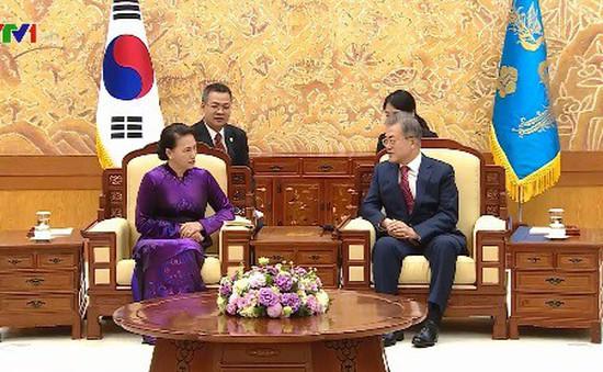 Chủ tịch Quốc hội hội kiến Tổng thống Hàn Quốc
