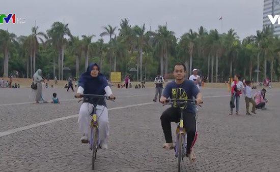 Jarkata thử nghiệm dịch vụ chia sẻ xe đạp