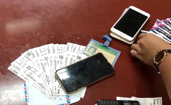 Nhân viên bảo vệ đưa người không có vé vào sân Mỹ Đình, thu 1 triệu đồng/lượt