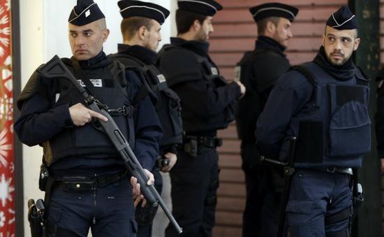Pháp tăng cường an ninh ngăn chặn bạo loạn