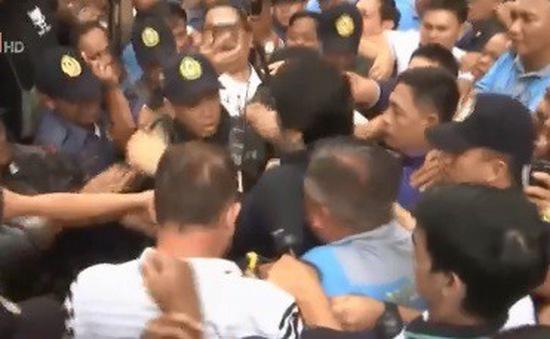 Philippines xét xử cựu quan chức tham ô
