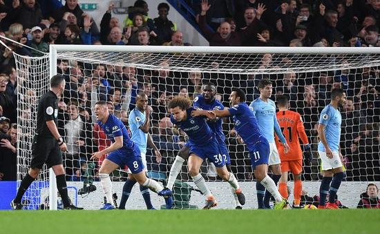 Chelsea gây sốc buộc Man City nhận thất bại đầu tiên ở Ngoại hạng Anh