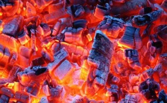 Nguy hiểm tiềm ẩn từ việc đốt than sưởi ấm