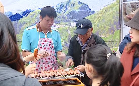 130 gian hàng tham gia Liên hoan ẩm thực quốc tế