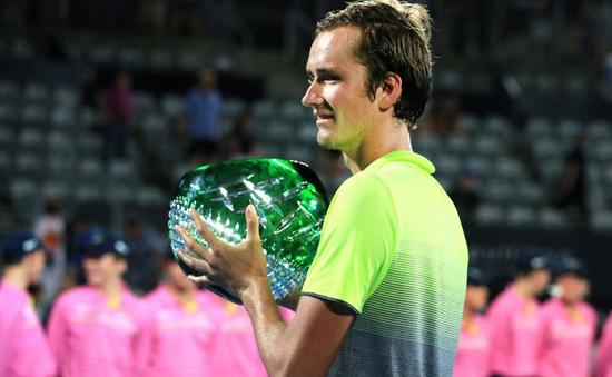Giải quần vợt Sydney International: Kerber, Medvedev đăng quang ấn tượng