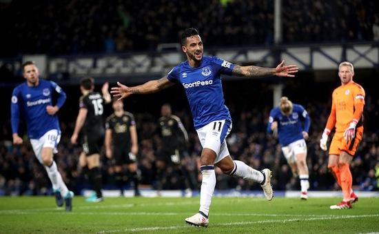 VIDEO: Walcott lập cú đúp, Everton đánh bại Leicester City