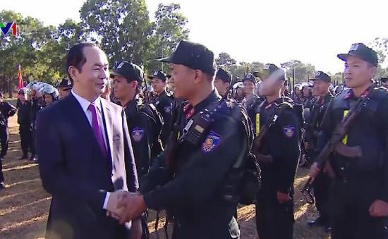 Chủ tịch nước thăm Trung đoàn Cảnh sát cơ động Tây Nguyên