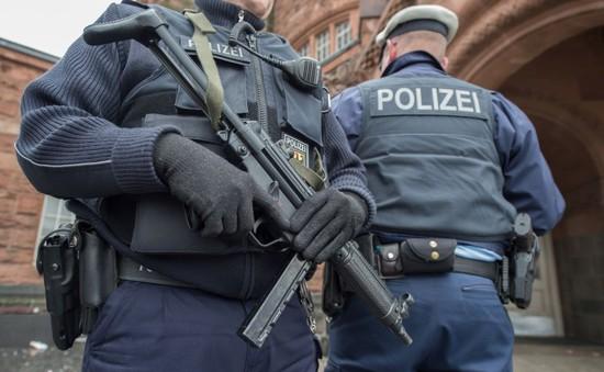Đức phá đường dây buôn người, bắt giữ 2 kẻ tình nghi