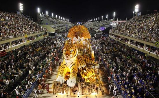 Tưng bừng lễ hội Carnival tại Brazil