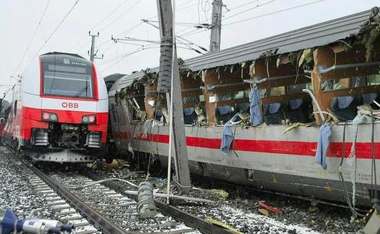 Tai nạn tàu hỏa nghiêm trọng ở Áo, 23 người thương vong
