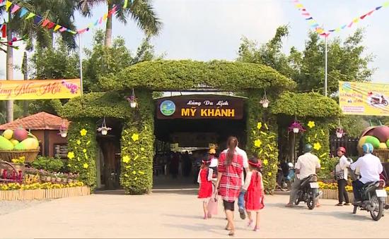 Khá đông du khách đổ về các điểm du lịch TP Cần Thơ từ mùng 1 Tết