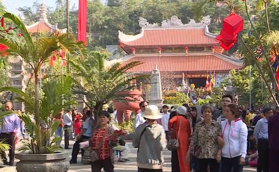 Thành phố du lịch Nha Trang trong ngày đầu năm mới Mậu Tuất 2018