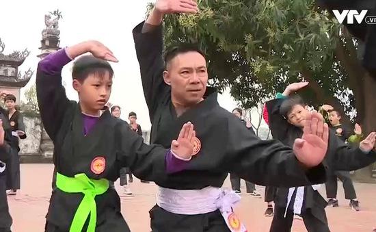 """Võ sư """"nông dân"""" với võ đường miễn phí ở ngoại thành Hà Nội"""
