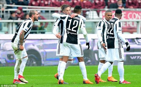 ĐKVĐ Juventus soán ngôi đầu Serie A sau trận derby thành Turin