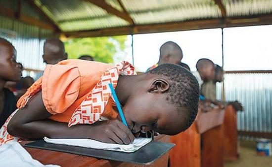 Nạn mù chữ phổ biến trong thanh thiếu niên khu vực khó khăn
