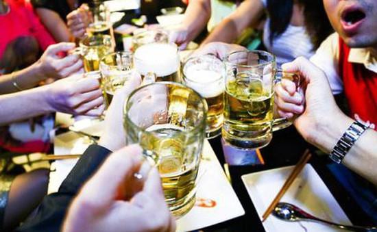 Cảnh báo hệ lụy do bia rượu ngày Tết