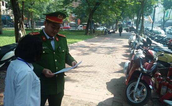 Hà Nội xử lý nhiều điểm trông giữ xe trái quy định dịp Tết