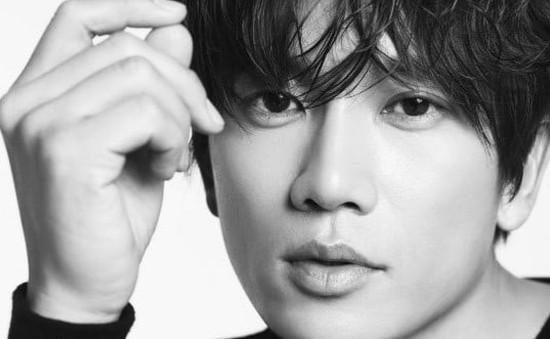 Ji Sung ký tiếp hợp đồng với công ty quản lý cũ