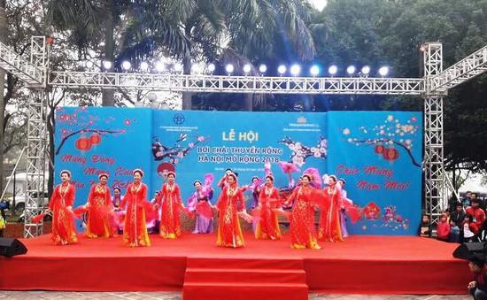 Hà Nội lần đầu tiên tổ chức lễ hội đua thuyền rồng trên hồ Tây