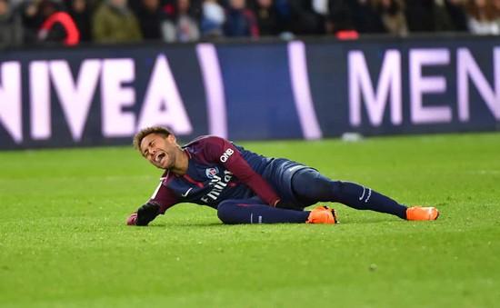 """Cha Neymar """"tố cáo"""" HLV Emery nói dối, khẳng định ngôi sao Brazil phải lên bàn mổ"""