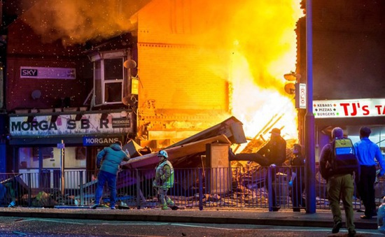 Hiện trường vụ nổ lớn ở thành phố Leicester, Anh