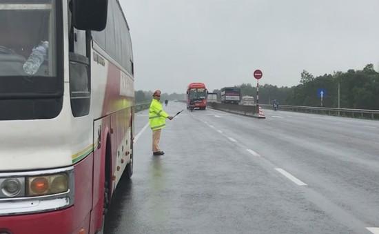 Quảng Trị: Tăng cường kiểm tra xe khách chở quá số người quy định