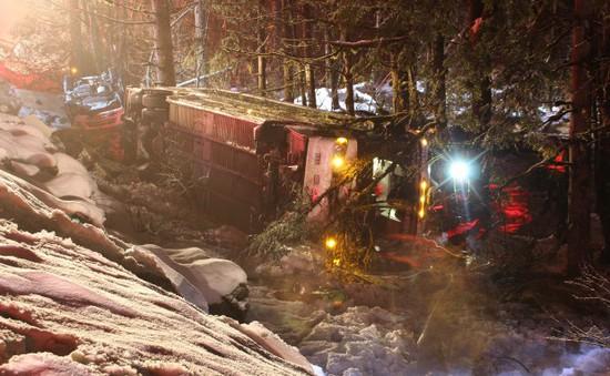 Tai nạn liên hoàn tại Canada, 12 người nhập viện