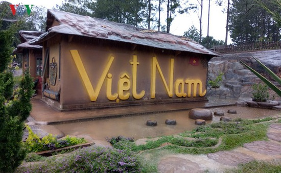 Thăm ngôi nhà đất sét độc nhất vô nhị ở Đà Lạt