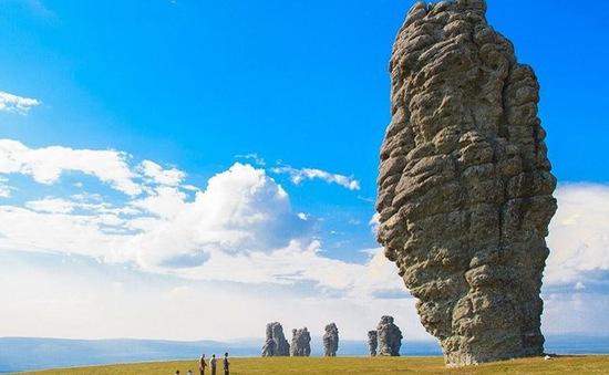 Những cột đá kỳ quan thế giới thiên nhiên ban tặng giữa cao nguyên