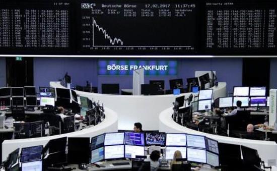 Thị trường chứng khoán thế giới diễn biến trái chiều