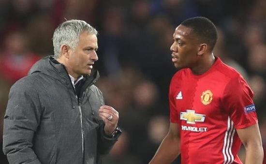 Martial nguy cơ rời Man Utd, HLV Mourinho cáu gắt với BLĐ Quỷ đỏ