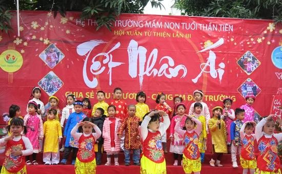 Hội chợ Tết nhân ái của trường Mầm non Tuổi Thần Tiên