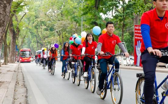 Roadshow hưởng ứng Ngày Thế giới phòng chống ung thư
