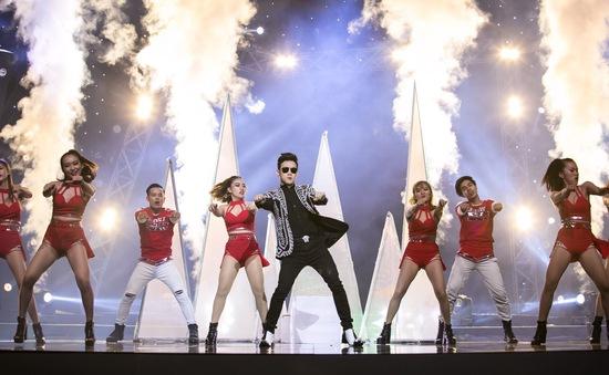 """Âm nhạc và Bước nhảy: Nguyên Vũ """"cháy"""" hết mình tại mini show kỉ niệm 25 năm ca hát"""