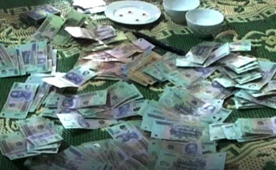 Hà Tĩnh: Bắt 19 đối tượng có hành vi đánh bạc