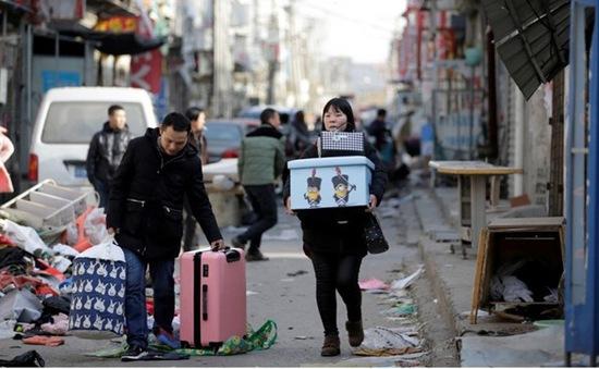 Tác động kinh tế từ việc Bắc Kinh, Thượng Hải hạn chế lao động nhập cư