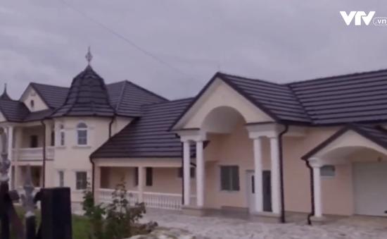 Ghé thăm ngôi làng giàu có, vắng bóng người ở Serbia