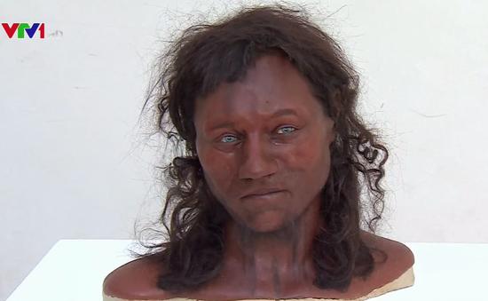 10.000 năm trước người Anh có nước da sẫm, mắt xanh