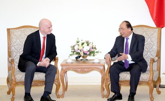Thủ tướng Nguyễn Xuân Phúc tiếp Chủ tịch FIFA