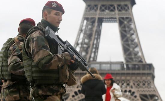 Pháp tăng ngân sách quốc phòng
