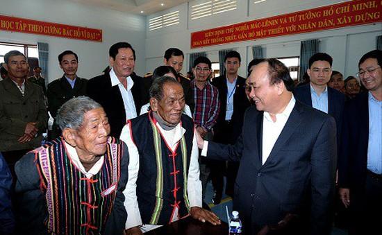 Thủ tướng trao quà Tết cho người nghèo tỉnh Đắk Nông