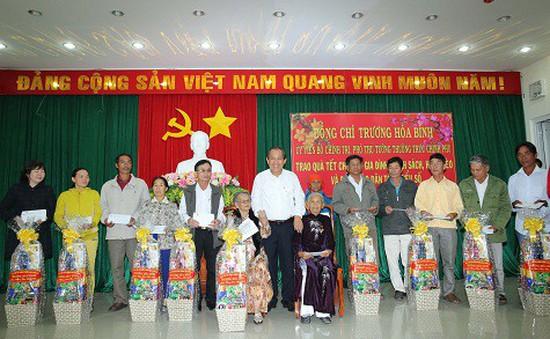 Phó Thủ tướng Trương Hòa Bình thăm, tặng quà Tết tại Ninh Thuận