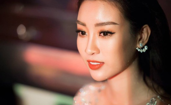 Hoa hậu Mỹ Linh đẹp không tì vết ngày đầu năm mới