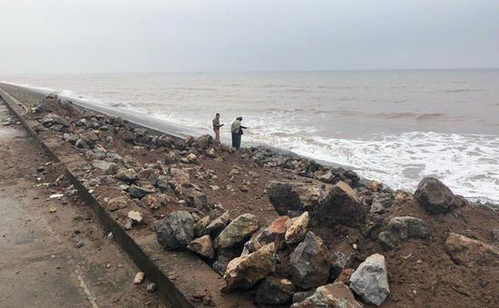 Nguy cơ vỡ đê tại các tỉnh Bắc Trung Bộ