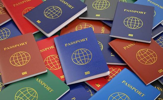 """Hộ chiếu của Nhật Bản và Singapore """"quyền lực"""" nhất thế giới"""