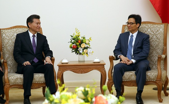 Phó Thủ tướng Vũ Đức Đam tiếp Chủ tịch Liên đoàn Cờ vua thế giới