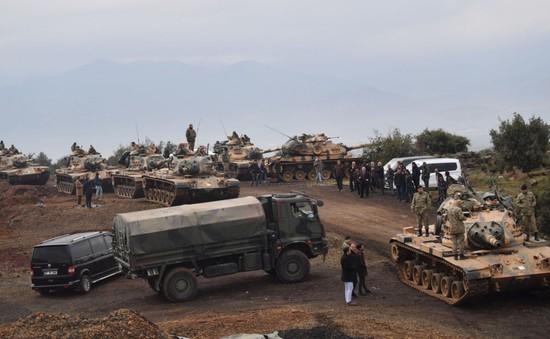 Người dân Syria sơ tán khỏi vùng chiến sự ở thành phố Afrin