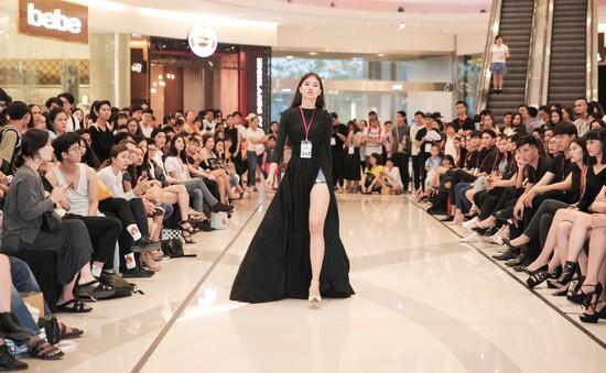"""Dàn chân dài """"càn quét"""" buổi casting người mẫu cho Tuần lễ thời trang quốc tế Việt Nam Xuân - Hè 2018"""