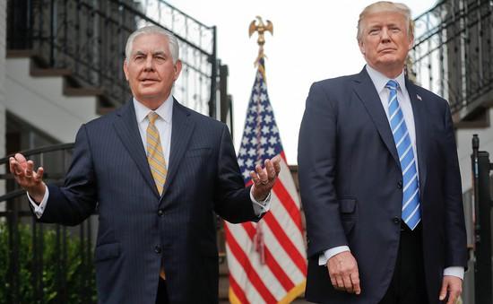 Bloomberg: Tổng thống Trump và ông Rex Tillerson thường xuyên bất đồng quan điểm