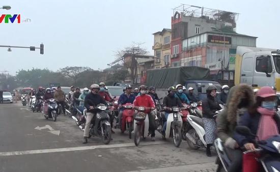Khó khăn giải tỏa ùn tắc nút giao thông cầu Tó, Hà Nội